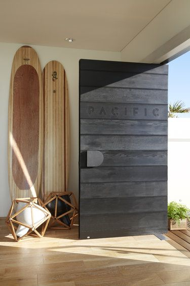 Door-designs-40-modern-doors-perfect-for-every-home-featured-on-architecture-beast-4