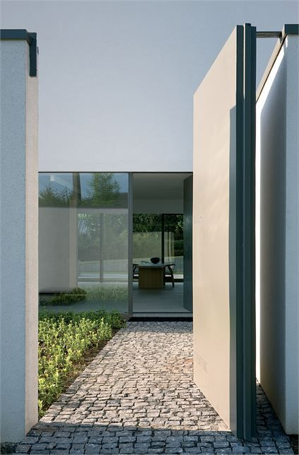 Door-designs-40-modern-doors-perfect-for-every-home-featured-on-architecture-beast-5